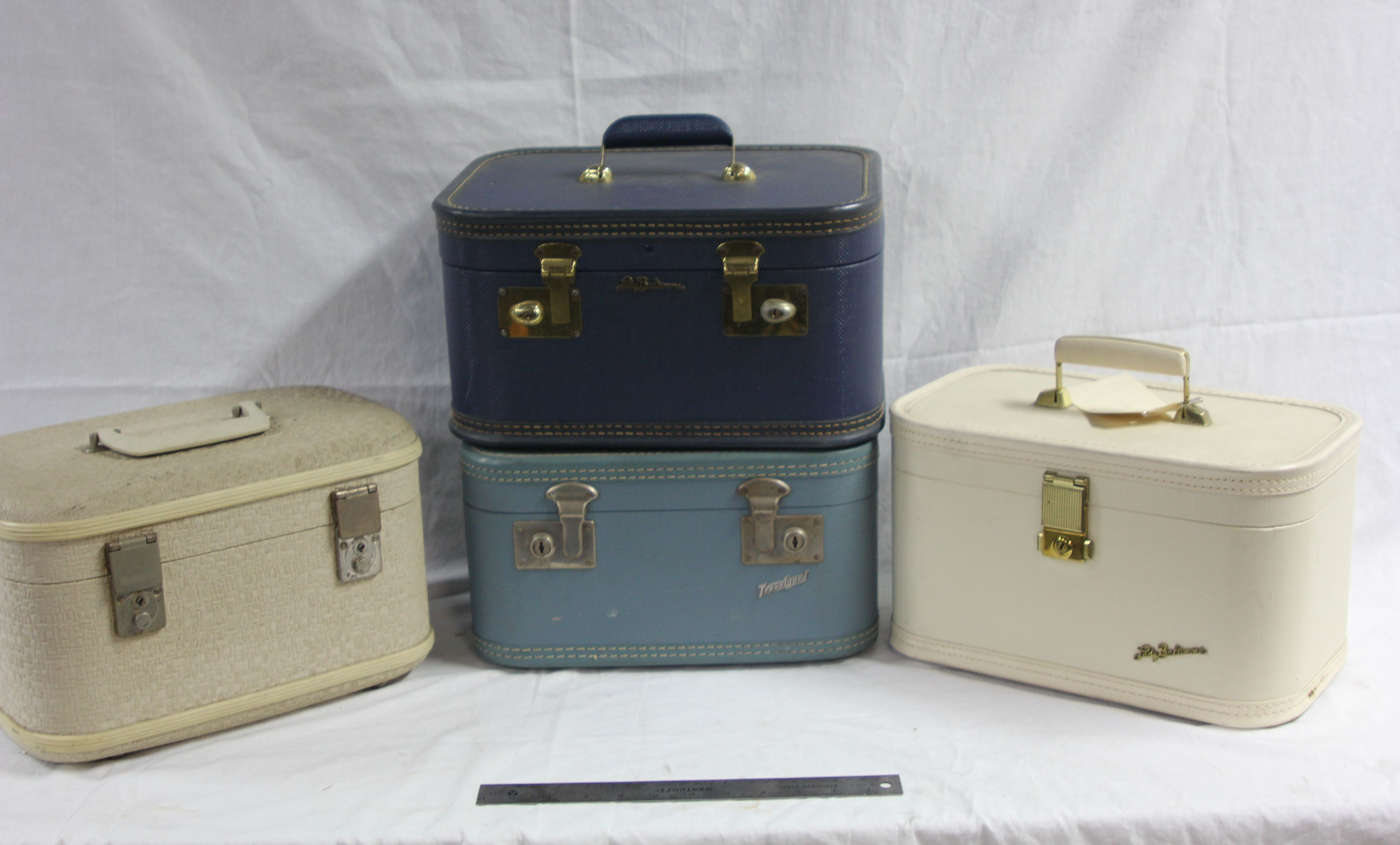 Female1950-1960 Period Carry Luggage