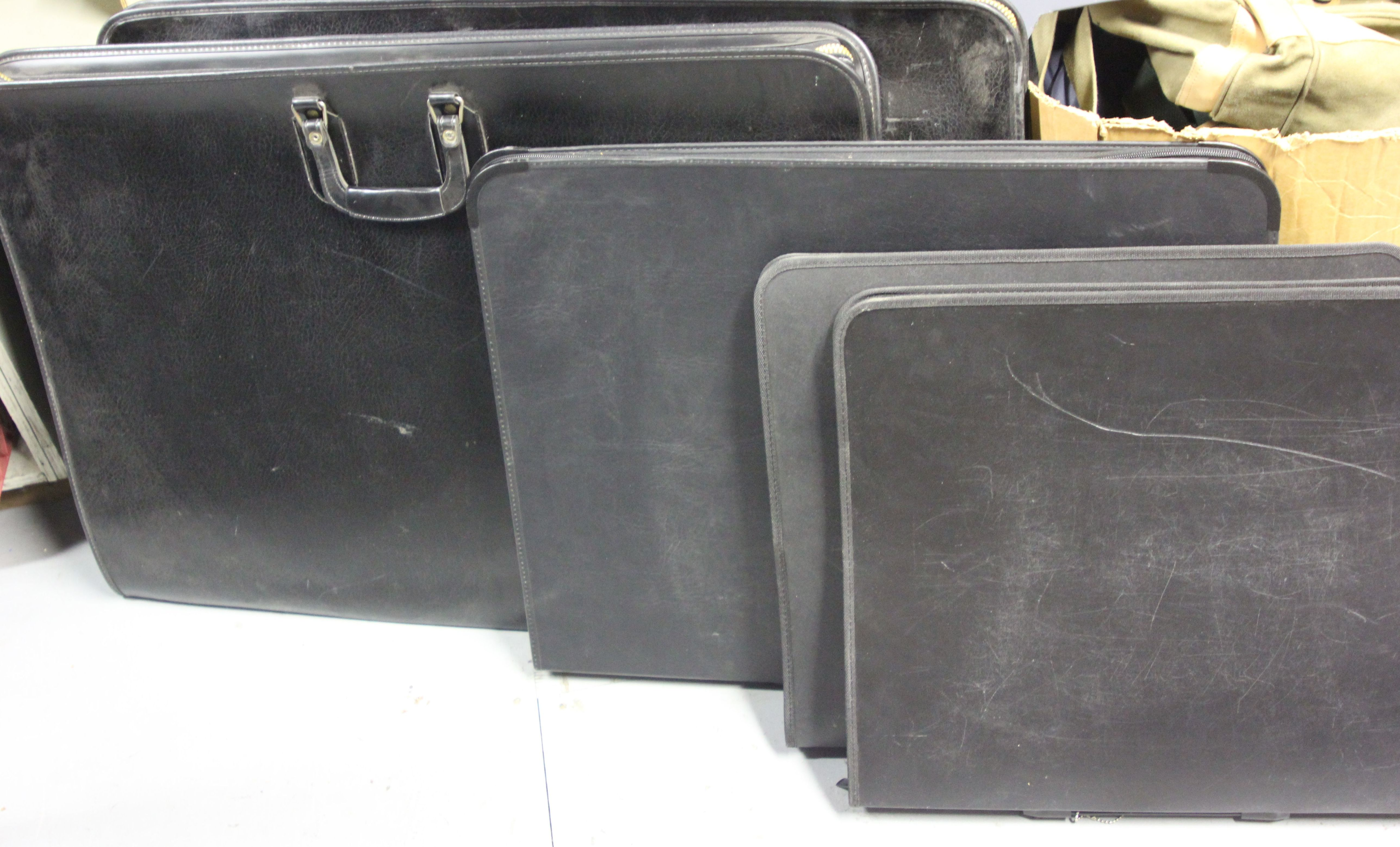 Black Flat Bags for Carrying Art